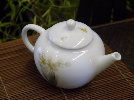 水仙小瓷壺-2