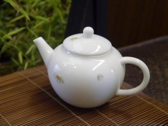 水仙小瓷壺-3