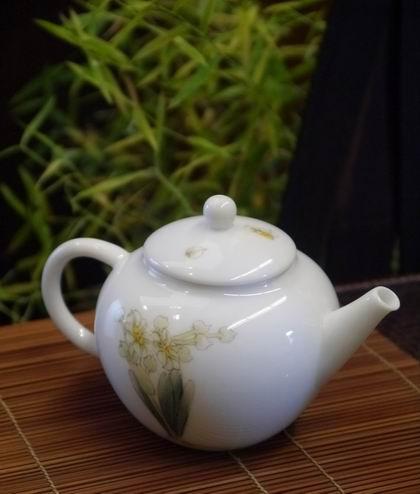 水仙小瓷壺-1