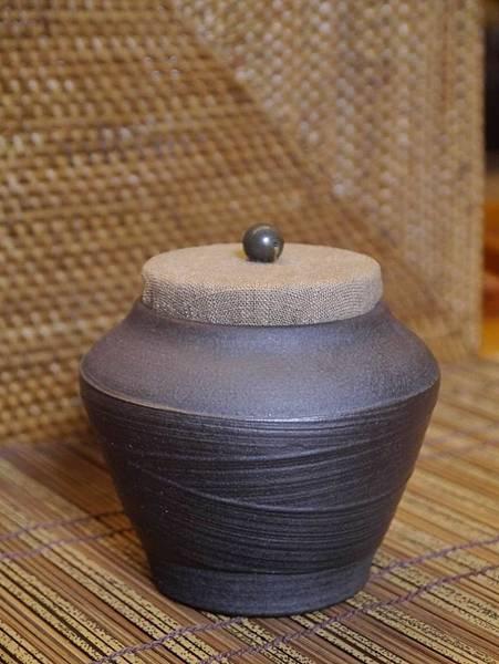 A40布蓋刷紋茶罐-3.JPG
