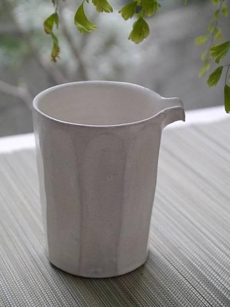 e26-1白茶盅-4.JPG