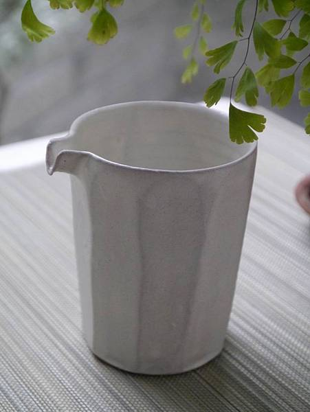 e26-1白茶盅-1.JPG