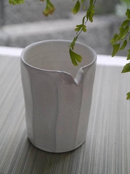 e26-1白茶盅-2.JPG