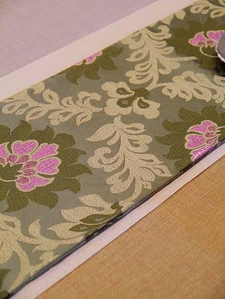 綠花紋絲綢茶巾-1.JPG