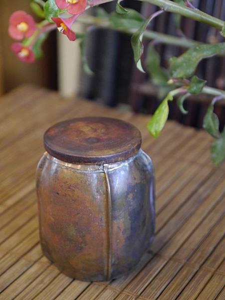 手打銅木蓋小茶罐-1.JPG