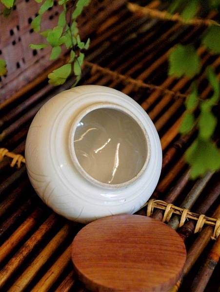 Q48定窯木蓋小茶罐-3.JPG