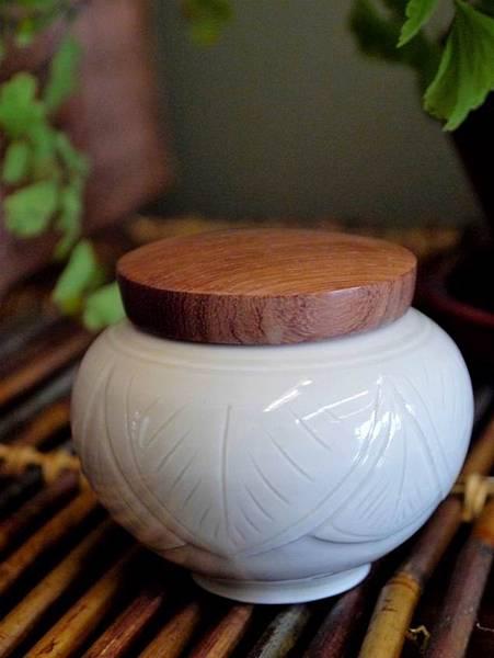 Q48定窯木蓋小茶罐-1.JPG