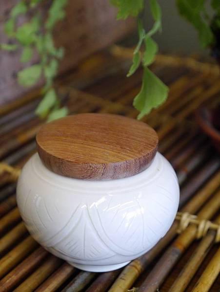 Q48定窯木蓋小茶罐-4.JPG