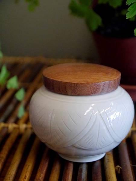 Q48定窯木蓋小茶罐-2.JPG
