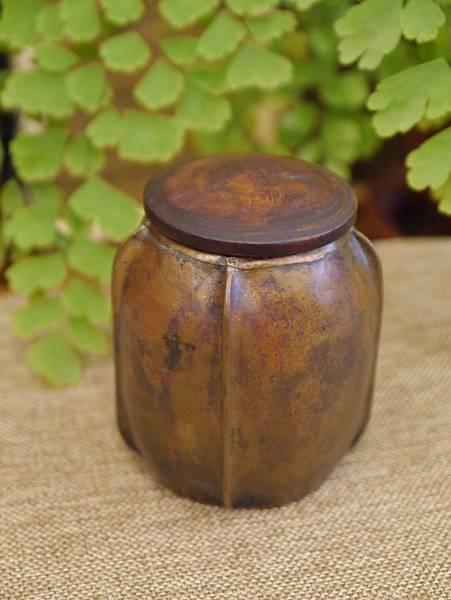 手打銅木蓋小茶罐2-5.JPG
