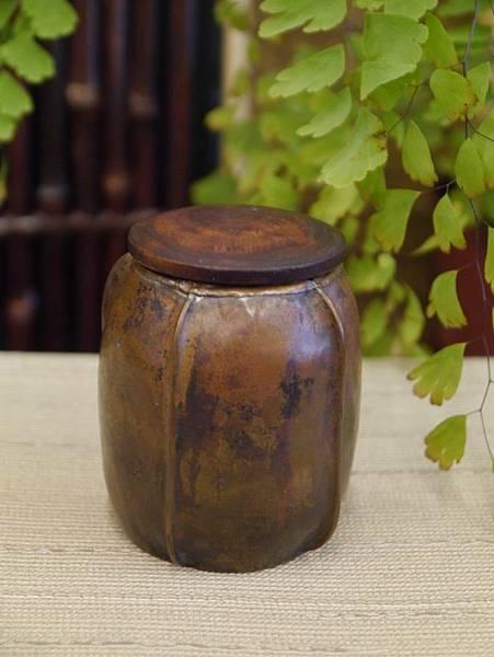 手打銅木蓋小茶罐2-4.JPG