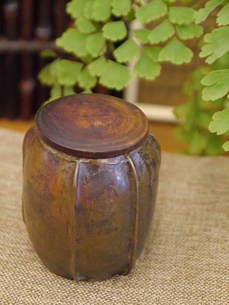 手打銅木蓋小茶罐2-6.JPG