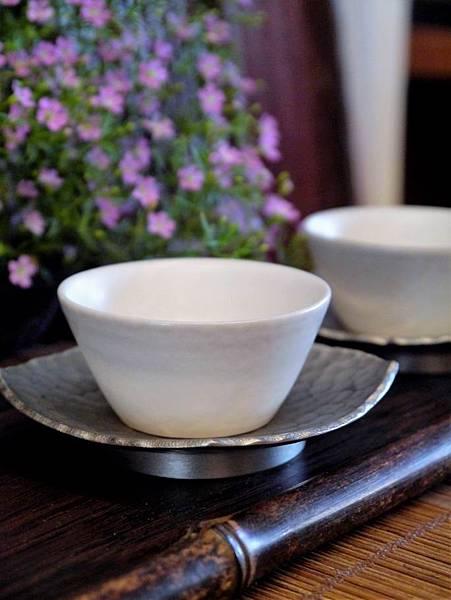 霧白瓷杯-1.JPG