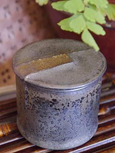墨金茶罐A4c-1.JPG
