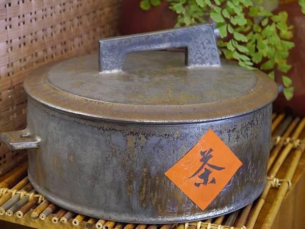 墨金茶餅盒-3.JPG