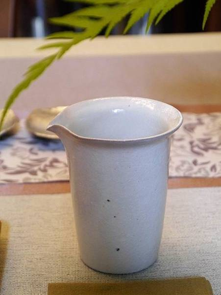 e25-1白茶盅-1.JPG