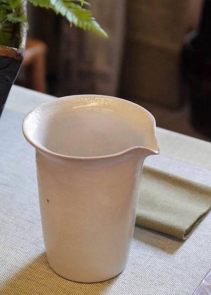 e25-1白茶盅-3.JPG
