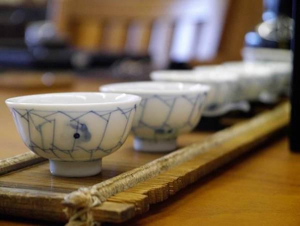 h51日本小瓷杯-4.JPG
