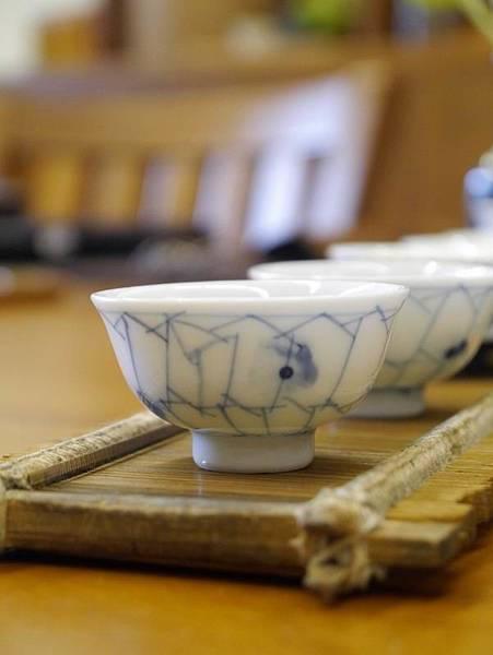 h51日本小瓷杯-1.JPG