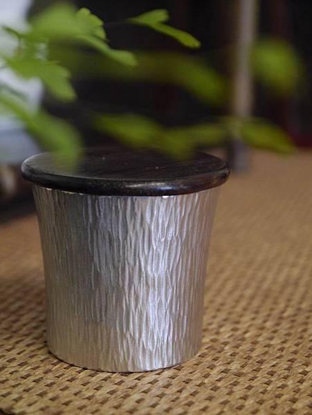 h59日本錫茶罐-1.JPG