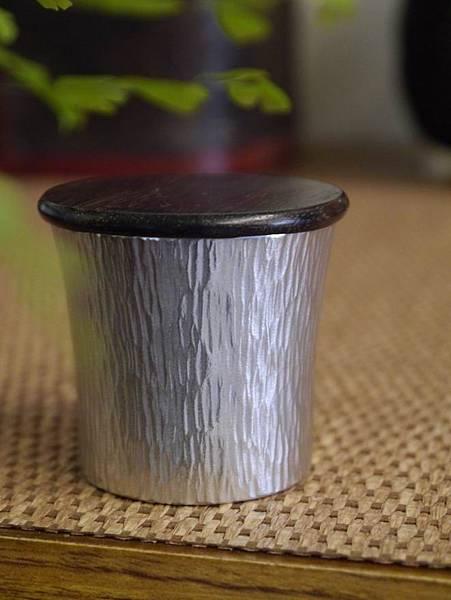 h59日本錫茶罐-4.JPG