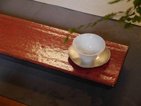 e30日本紅秞陶長盤-3..JPG