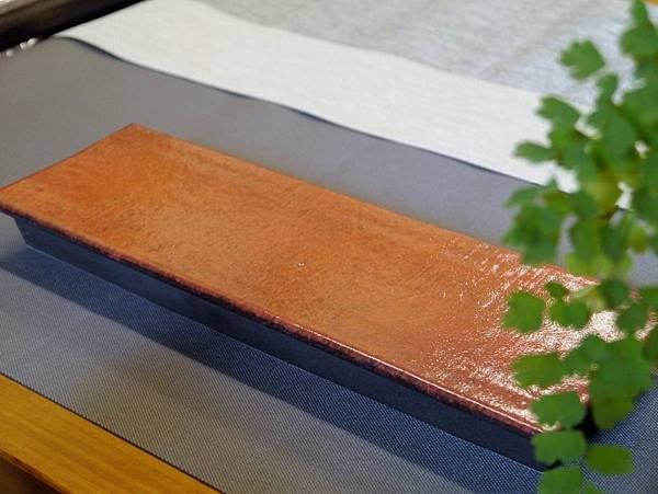 e30日本紅秞陶長盤-2.JPG