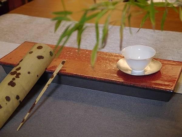 e30日本紅秞陶長盤-5.JPG