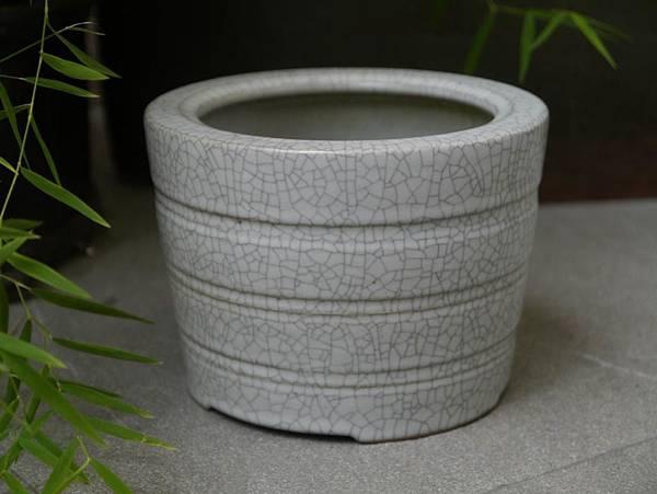 冰裂白釉色水方-1.JPG