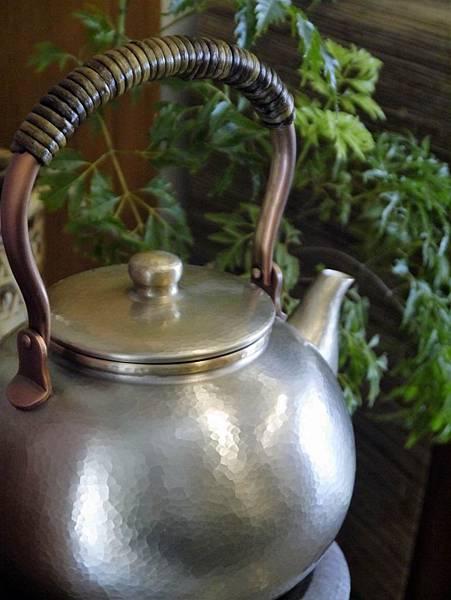日本富貴堂手打銅錫壺-2.JPG