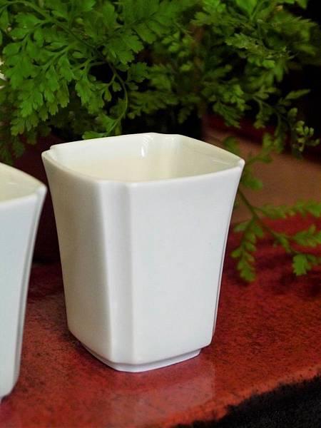 四角瓷杯30cc-3.JPG