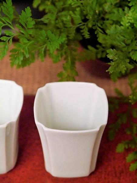 四角瓷杯30cc-2.JPG