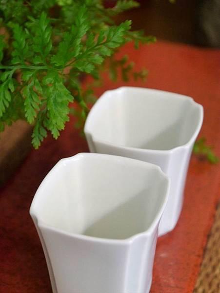 四角瓷杯30cc-5.JPG
