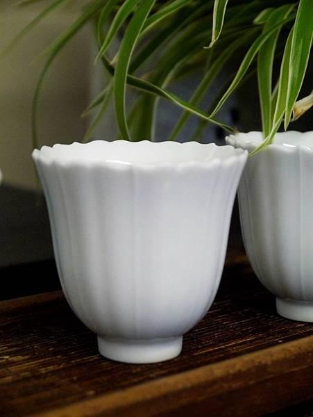 花口瓷杯-1.JPG