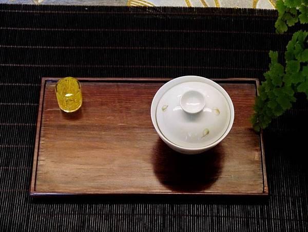 手繪花紋小蓋杯-5.JPG