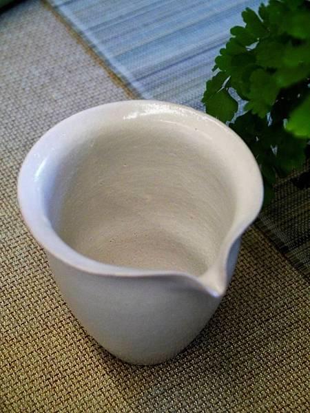 e25-2白茶盅-2.JPG