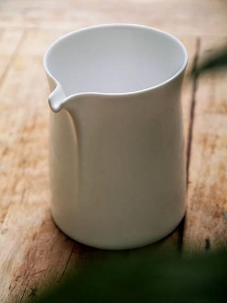 Q68白瓷茶盅-2.JPG