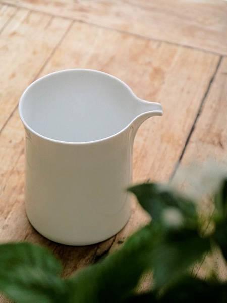 Q68白瓷茶盅-1.JPG
