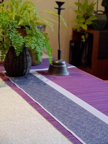 灰花紋紫色茶巾-5.JPG