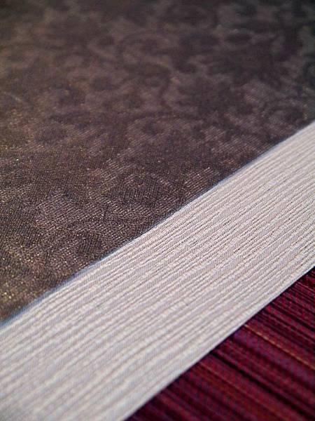 灰花紋紫色茶巾-4.JPG