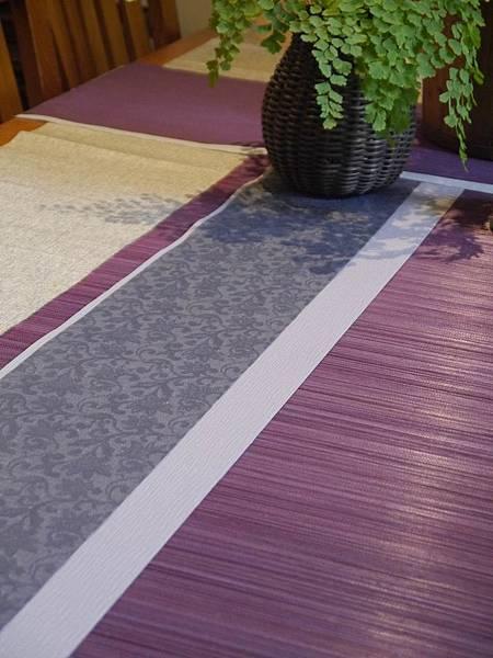 灰花紋紫色茶巾-1.JPG