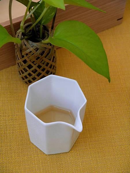 Q66六角小茶盅-2.JPG