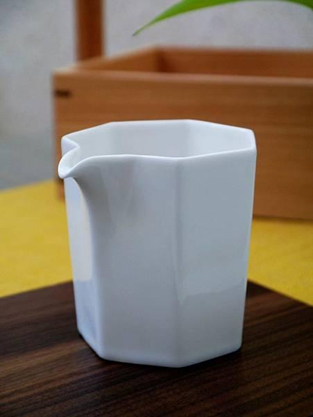 Q66六角小茶盅-3.JPG