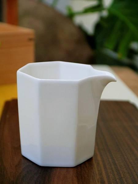 Q66六角小茶盅-1.JPG