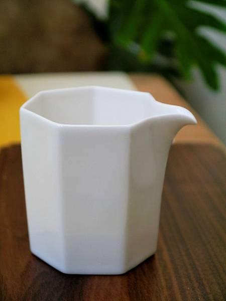 Q66六角小茶盅-5.JPG