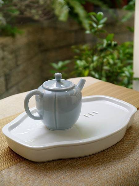 X14淡藍釉色瓷壺-6.JPG