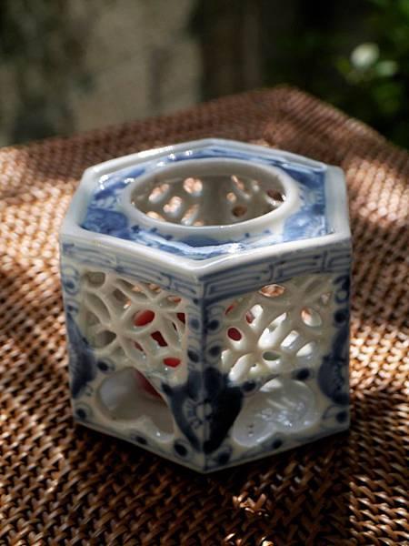 W2日本老青花燭台-5.JPG