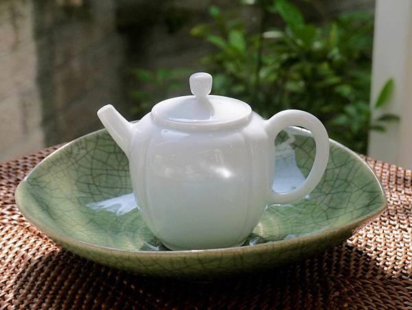 W10日本綠釉壺承-3.JPG