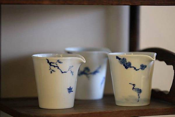 X28青花瓷茶盅-1.jpg