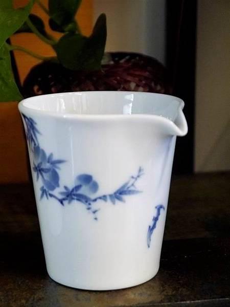 X28青花瓷茶盅-5.JPG